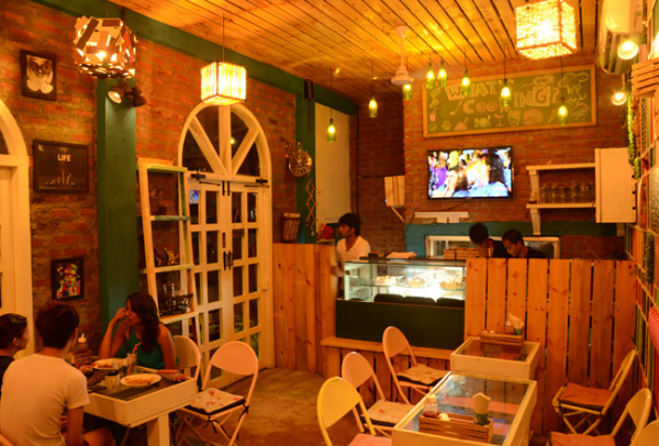 Wood Box Cafe Satyaniketan