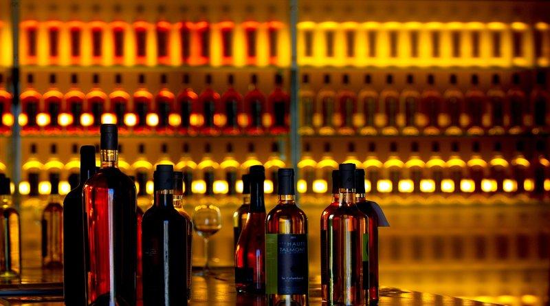 Respite for Restaurants as Delhi Government Orders De-sealing Liquor Shops and Bars Along Highways