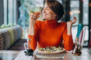 Una guía para principiantes sobre el control de alimentos y bebidas en restaurantes